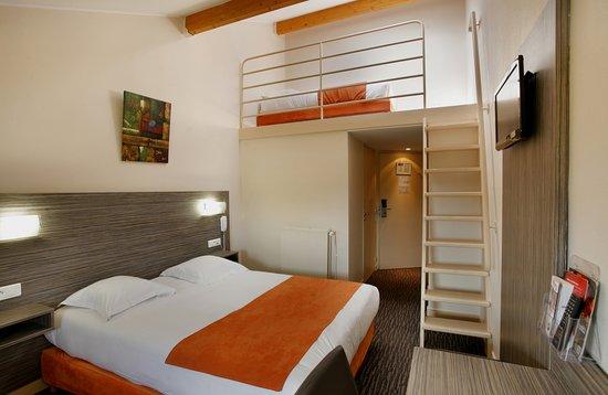 La Ricamarie, France : Chambre quadruple