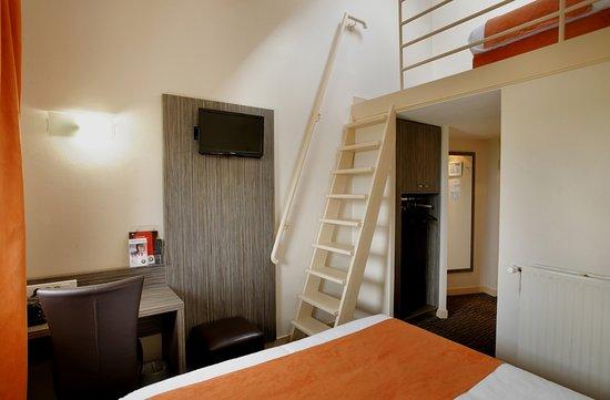 La Ricamarie, France : Chambre triple