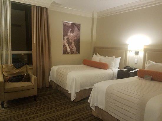 Hotel Galvez & Spa A Wyndham Grand Hotel: 20161103_211357_large.jpg