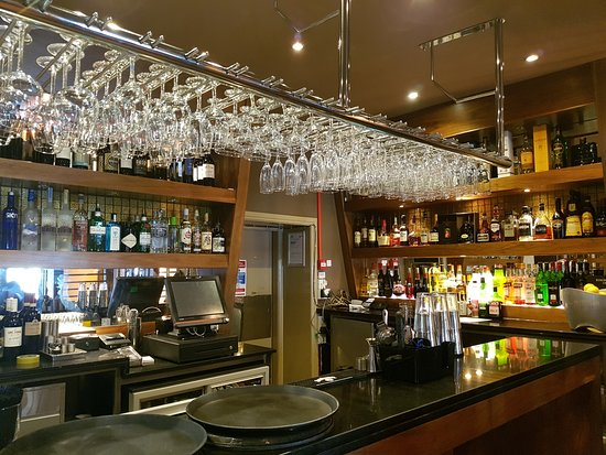 Bothwell, UK: The bar at The Ivy Seafood and Steakhouse