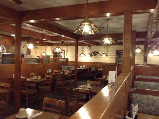 Freeport, IL: Dining Area