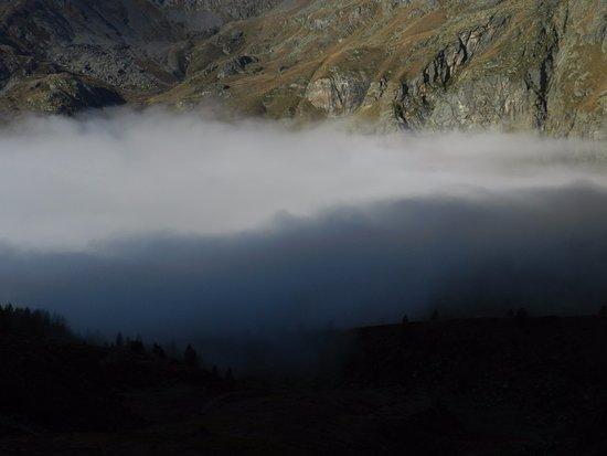 Gressoney-la-Trinité, Italia: il Lys sotto la nebbia