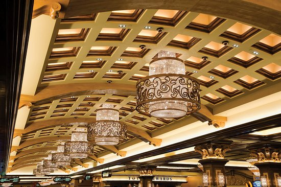 Horseshoe Hammond: Casino Floor Chandeliers