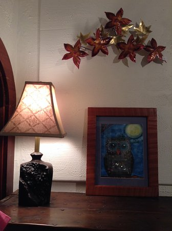 Miranda, CA: Lamps, metal art, and fine art