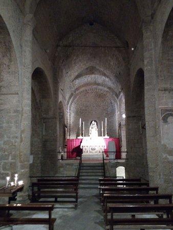 Chiesa di San Michele Arcangelo: L'interno