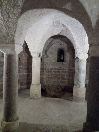 Chiesa di San Michele Arcangelo: Particolare della cripta
