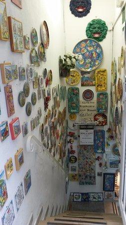 Vietri in Italy Ceramiche: uno dei negozi di ceramica
