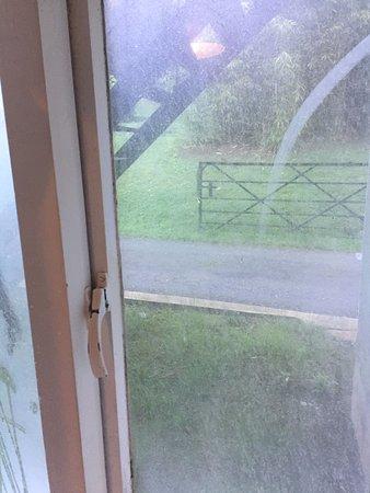 Νιούπορτ, UK: filthy windows