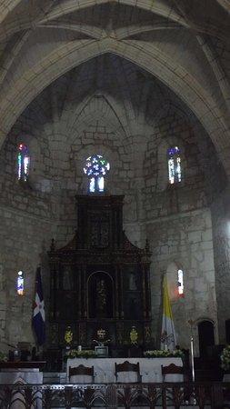 Cathédrale Notre-Dame de l'Incarnation : Belle cathédrale bien entretenue
