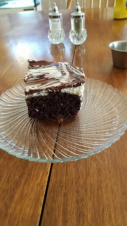 Bovey, MN: Awesome crazy cake!