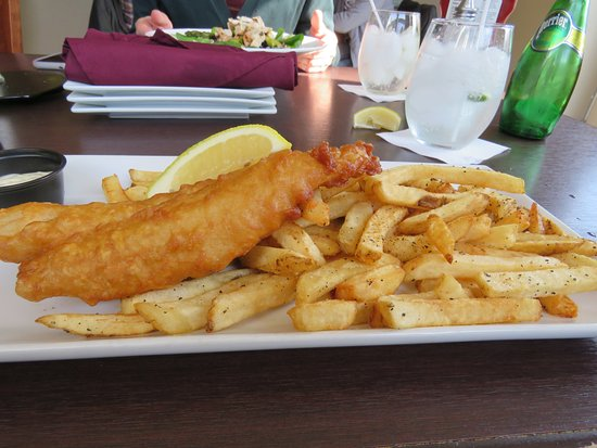 The Cellar Pub and Grill: Simple fish and chips