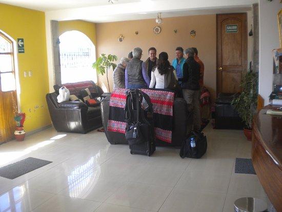 Hotel Kuntur Inn : grupo meditando