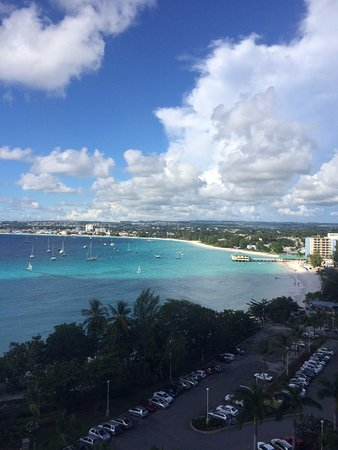 Hilton Barbados Resort: Fort Tower view from 8th floor at Executive Lounge looking at Carlisle Bay and Bridgetown
