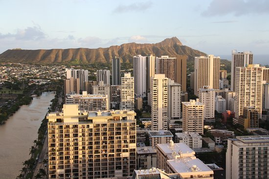 Aqua Skyline at Island Colony: View from the roof top looking towards Diamond Head.