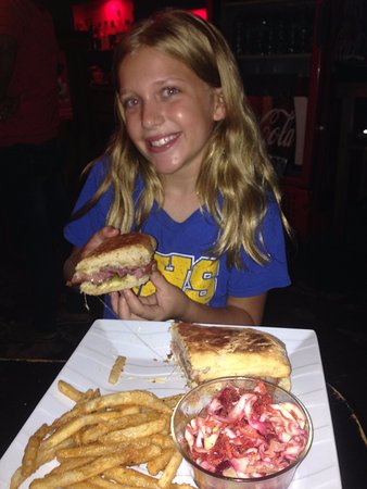 El Camello : My daughter with the Cubano on the best ciabatta bread in Central America