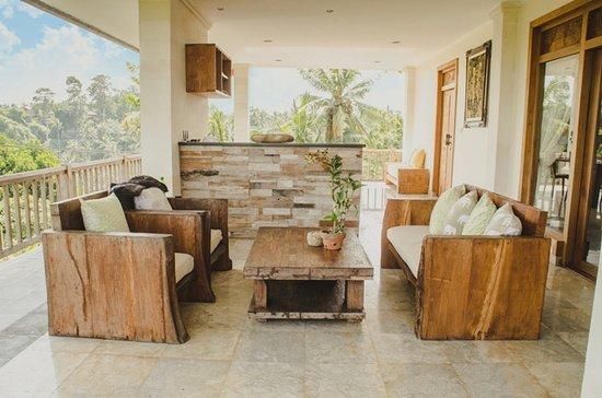 Sri Ratih Cottages: Pentouse Suite room