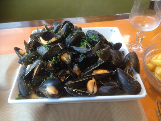 Saint-Aubin-Sur-Mer, France: Memorable mussels !