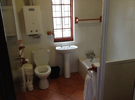 Cape Peninsula National Park, South Africa: Bathroom in main cottage