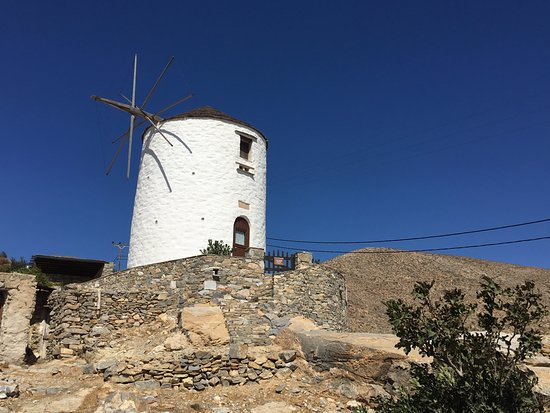 Ano Siros, Grecia: windmill next to Catholic Church of Agios Georgios in Ano Syros