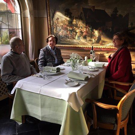 Stolberg, Alemania: Das Mittagessen war ein Genuss, wunderbares Ambiente!