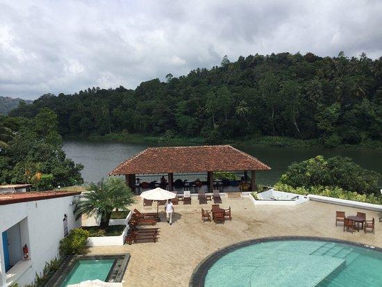 Cinnamon Citadel Kandy: La vista dal balcone del ristorante