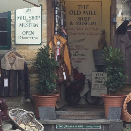 Lower Slaughter, UK: The old mill shop and museum