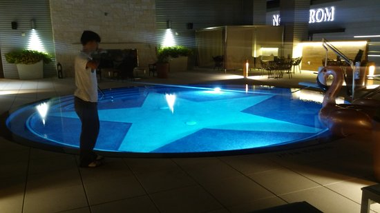 Beautiful Texas Sized Pool Picture Of Archer Hotel Austin Austin