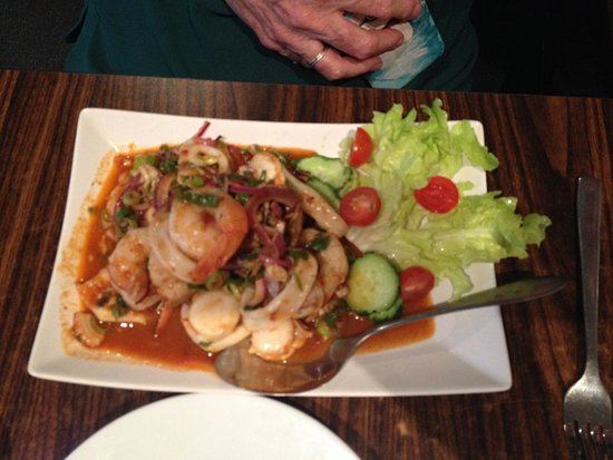 pranee thai restaurant seafood salad yum talay