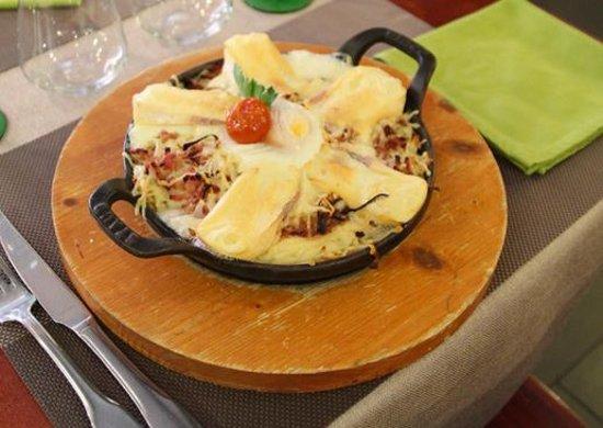 Plat du jour caquelon au fromage lardons picture of au - Direct cuisine haguenau ...
