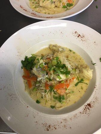 Baudinard-sur-Verdon, France: Queue de Lotte au Curry Vert Thai. Bon Appétit!