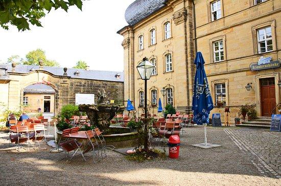 Bad Staffelstein, Alemania: Biergarten Klosterschänke