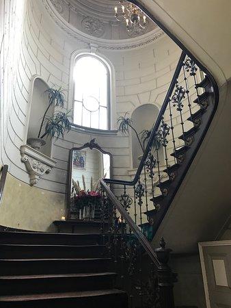 Levend Paardenmuseum De Hollandsche Manege: Stukje Nederlandsche historie. Leuk om vanaf het balkon een paardrijles bij te wonen met een bak