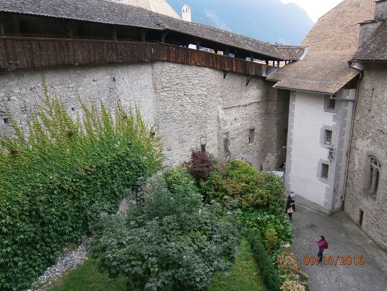 Chateau de Chillon: Inner couryard