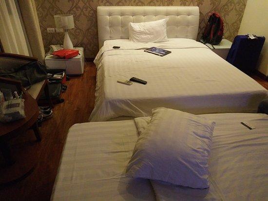Hanoi Legacy Hotel Hoan Kiem: IMG20161104235809_large.jpg