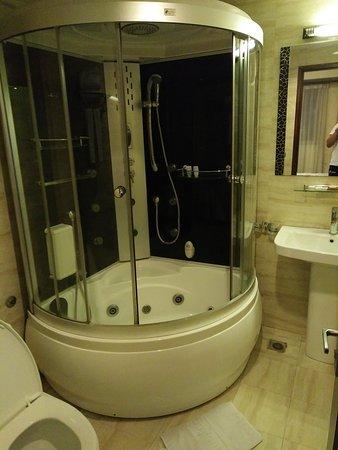 Hanoi Legacy Hotel Hoan Kiem: IMG20161104235753_large.jpg