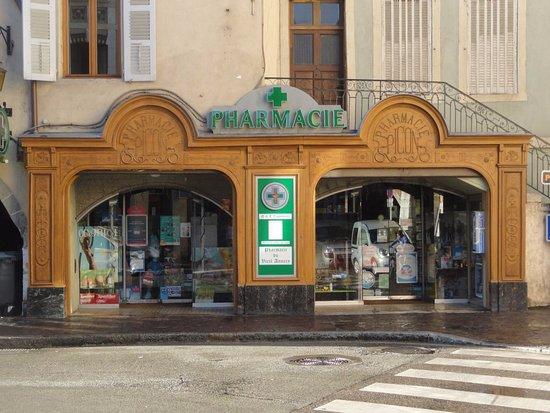 Ancienne pharmacie photo de la vieille ville annecy for Pharmacie de la piscine