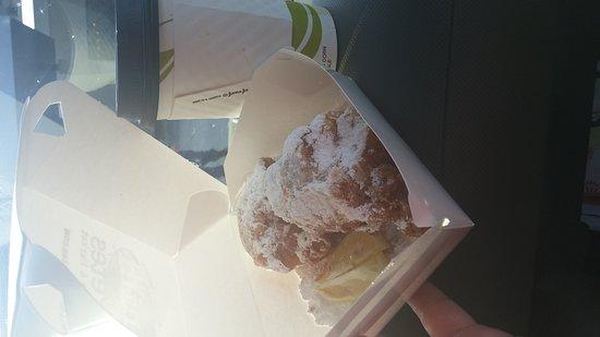 Panini Pete's Cafe & Bakeshoppe: Fresh beignets and chickory cafe ole..mmmm