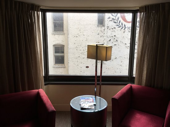 Parc 55 San Francisco, a Hilton Hotel: Peeling exterior wall blocking view and light -- $350 a night