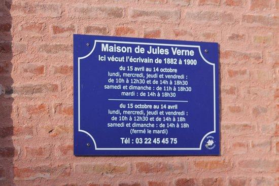 Wall poster photo de maison de jules verne amiens for Maison de jules verne