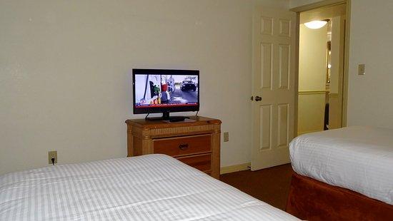 Parkway International Resort: Twin Bedroom With Flat Screen Tv