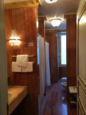 The Westin Excelsior, Rome: Bathroom