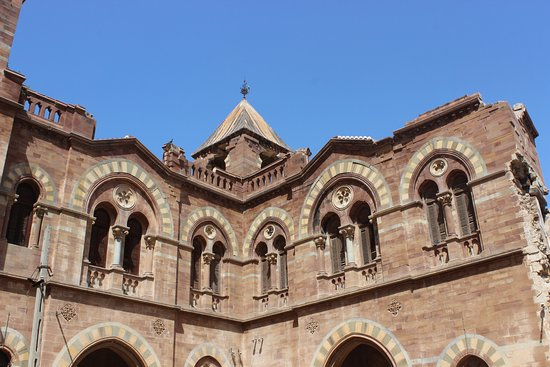 First Building With Italian Gothic Architecture In