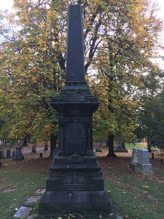 Lone Fir Pioneer Cemetery: The final resting place for many of Portland City founders, Pioneers, immigrants & many unmarked