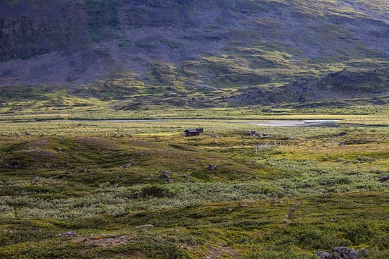 Kungsleden : Sometimes you see small huts
