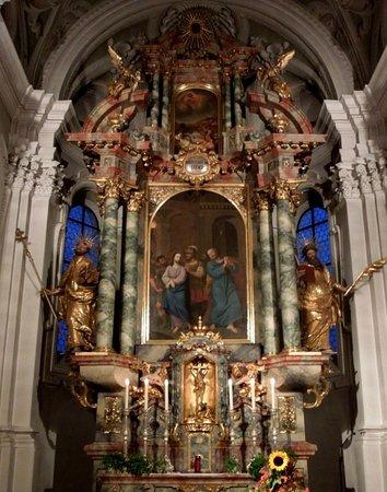 Evangelische Dreieinigkeitskirche: главный алтарь