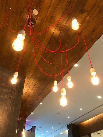 Yuba Restaurant: lights