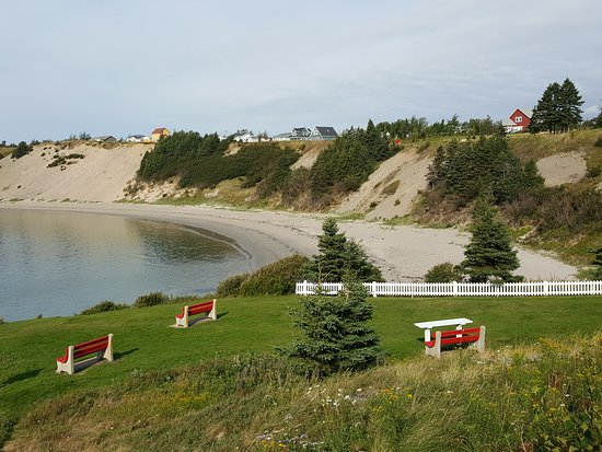 Eastport, Canada: A view overlooking Sandy Cove beach