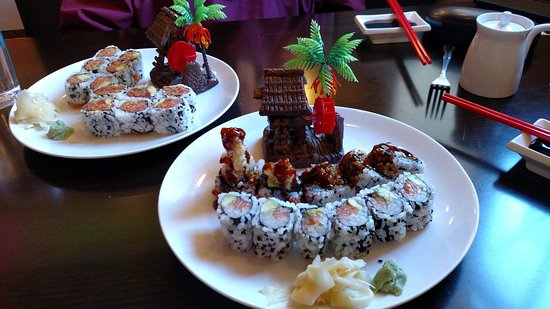 dragon pearl really nice food artfully displayed and friendly service 25 00 for