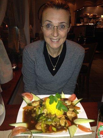 Honefoss, Norway: Gamberi con verdure e riso