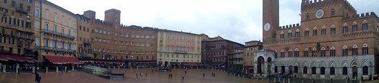 Σιένα, Ιταλία: Panoramica Piazza del Campo